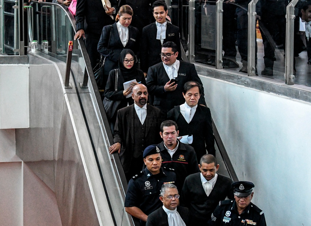 Some of the lawyers involved in the Kim Jong-nam murder case at the open court visit in klia2 today. – The Malaysian Insight pic by Seth Akmal, October 24, 2017.