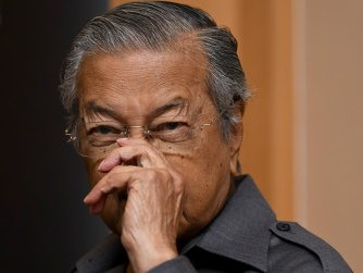 Malaysia former Prime Minister Dr Mahathir Mohamad rubs his nose during a press conference at Yayasan Kepimpinan Perdana in Putrajaya on January 3, 2018. - The Malaysian Insight pic by Seth Akmal.